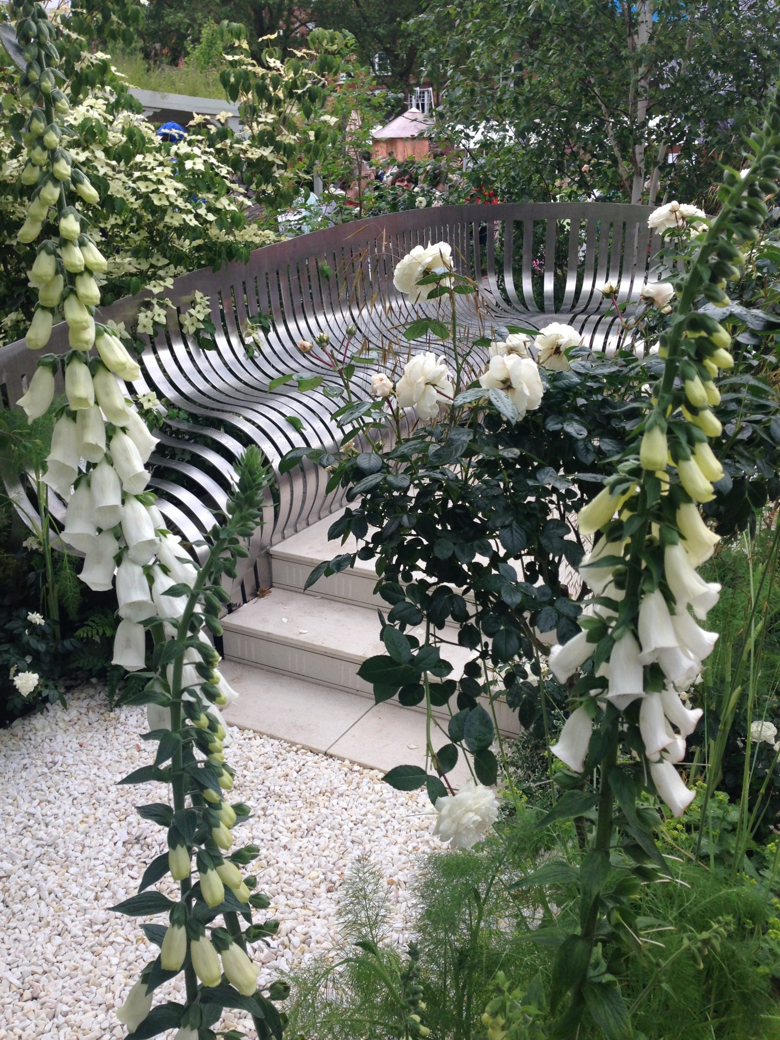 Jo Thompson's London Square Garden at Chelsea 2014 was the first to capture my imagination with its strictly white pallet